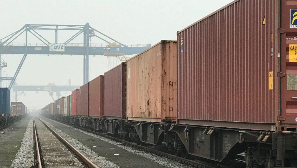 Быстрая доставка сборных грузов в Санкт-Петербург